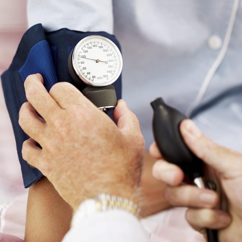 Как снизить повышенное давление, польза валерианы